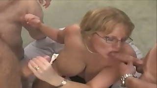 Stunning mature is enjoying oral sex so much