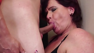Redhead lady likes oral sex so much