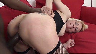 Seduced white mature fucked by a big dick
