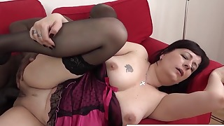 Good-looking mature hottie fucked by a big dick