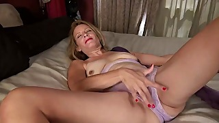 Awesome shameless mature solo in HD